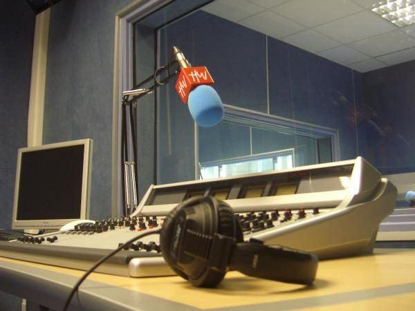 curso-de-especialista-universitario-en-radio-en-internet-radio-1