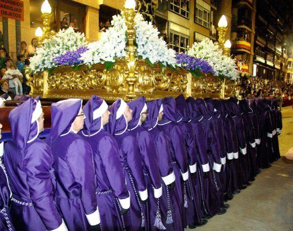 Requisitos-para-ser-portador-del-Santo-en-Semana-Santa