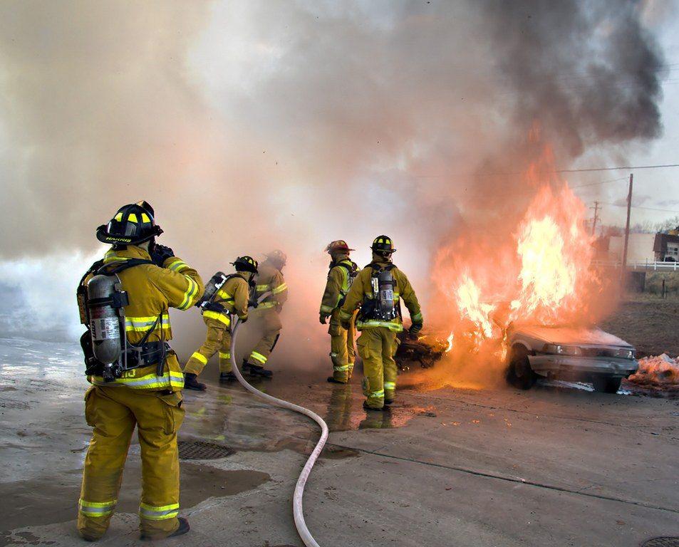 Oposiciones-para-bombero-requisitos-temario-precio-fechas