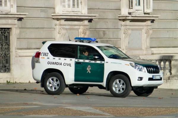cuantas-plazas-para-guardia-civil-coche