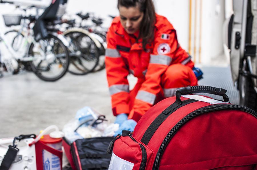 curso-de-tecnico-en-emergencias-sanitarias-profesional-online-presencial-temario-sueldo