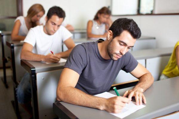 test-psicotecnicos-para-oposiciones-examen-estudiantes-en-examen