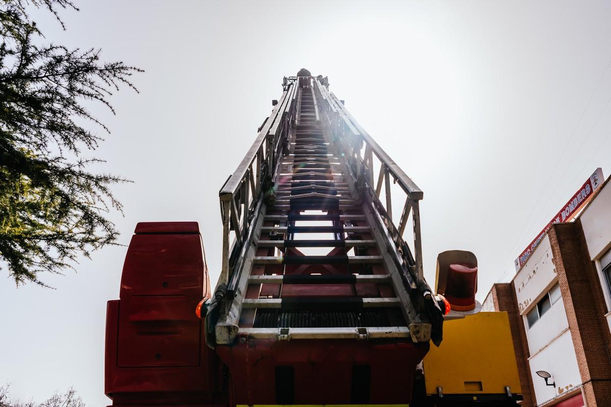 Cuantas plazas bombero 2022 requisitos funciones pruebas sueldo
