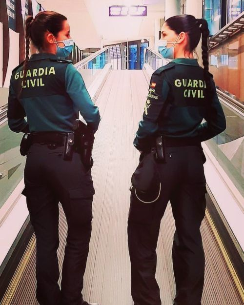 Guardia Civiles mujeres