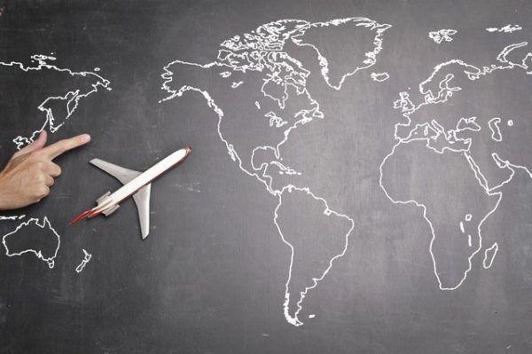 Avión y mapa