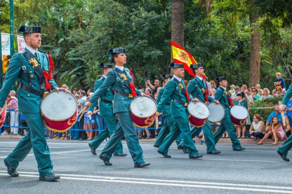 Guardia civil en desfile