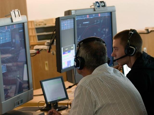 requisitos-para-ser-controlador-aereo-2014