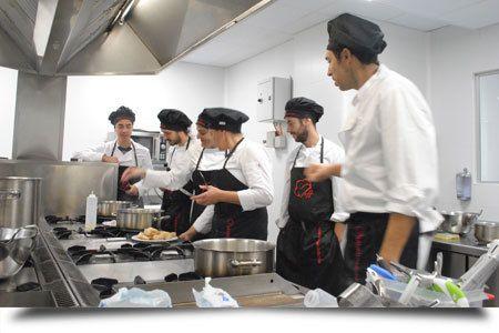 curso-de-cocinero-profesional-escuela-hosteleria-escuela