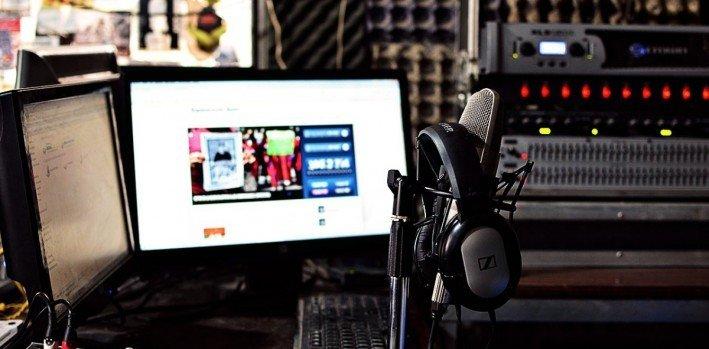 Curso-de-radio-por-Internet-requisitos-precios