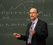 Profesor universitario – Requisitos, tipos de profesores universitarios y salario