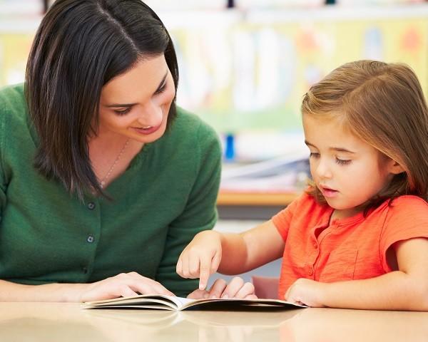 profesora educacion infantil