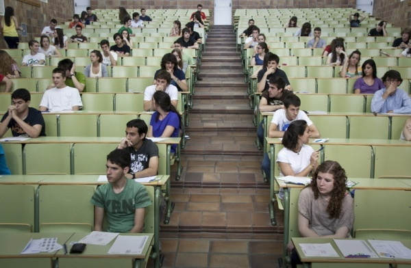 notas-de-corte-de-acceso-a-la-universidad-2014-2015-estudiantes
