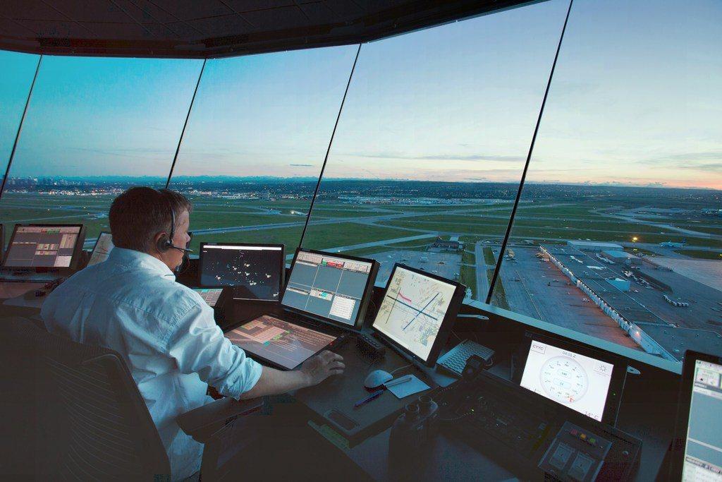 Oposiciones-para-Controlador-Aéreo-requisitos-temario-fechas-precio
