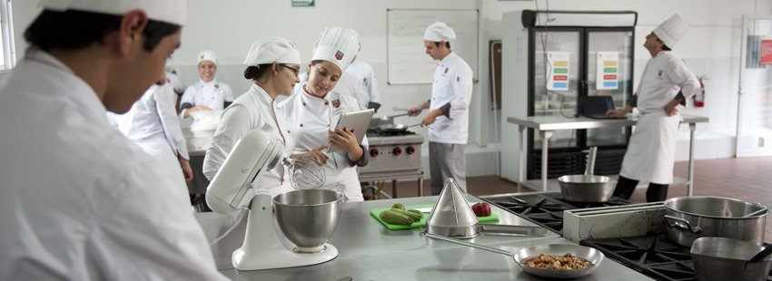Cursos de cocina madrid 2017 gratis cursosmasters - Escuela de cocina ...
