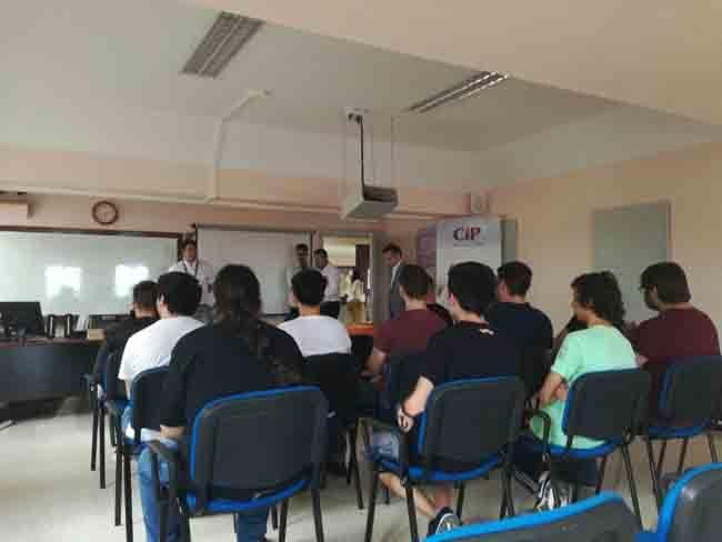 Requisitos-para-solicitar-las-becas-y-ayudas-del-INEM-2017