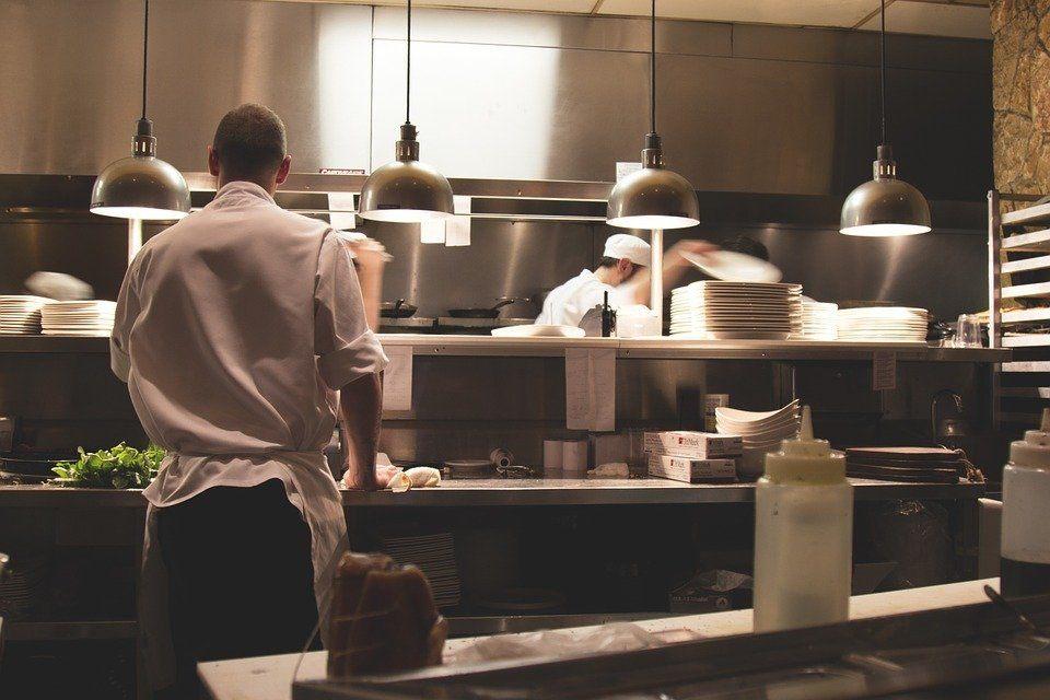 Cursos de cocina madrid 2018 gratis cursosmasters for Programas de cocina en espana
