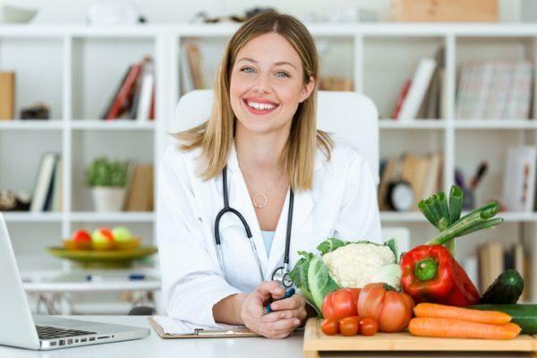 carreras-de-ciencias-de-la-salud-con-mas-salidas-laborales-nutricion-istock