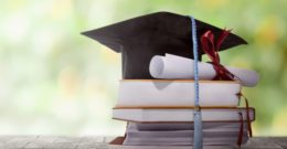 ¿Estudiar en una universidad pública o una universidad privada? Ventajas y desventajas