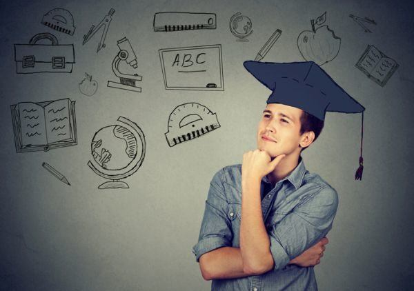 tests-para-saber-que-estudiar-joven-pensando-istock